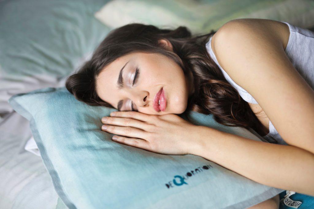 """""""Cuando dormimos se refuerza nuestro sistema inmune, el que nos ayuda a enfrentar enfermedades o a combatirlas o prevenirlas también"""""""